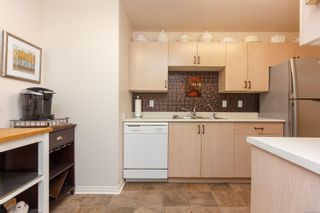 Photo 11: 106 1196 Sluggett Rd in : CS Brentwood Bay Condo for sale (Central Saanich)  : MLS®# 863140