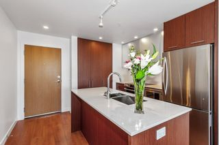 """Photo 7: 502 221 E 3RD Street in North Vancouver: Lower Lonsdale Condo for sale in """"Orizon on Third"""" : MLS®# R2565313"""