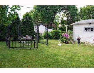 Photo 10: 398 MOORGATE Street in WINNIPEG: St James Residential for sale (West Winnipeg)  : MLS®# 2912558