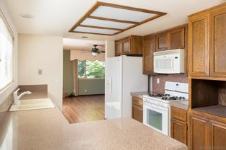 Photo 8: SOUTHEAST ESCONDIDO House for sale : 4 bedrooms : 329 Cypress Crest Ter in Escondido