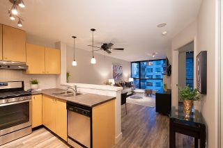 """Photo 6: 404 124 W 1ST Street in North Vancouver: Lower Lonsdale Condo for sale in """"The """"Q"""""""" : MLS®# R2430704"""