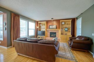 Photo 11: 323 Discovery Place SW in Calgary: Discovery Ridge Detached for sale : MLS®# A1141184