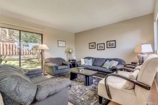 """Photo 3: 431 CARDIFF Way in Port Moody: College Park PM Townhouse for sale in """"EASTHILL"""" : MLS®# R2111339"""