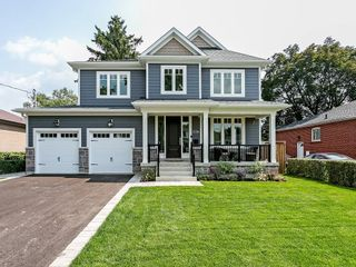 Main Photo: 2226 COURTLAND Drive in Burlington: Residential for sale : MLS®# H4062761