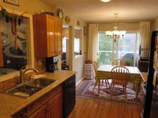 Photo 6: 305 1132 DUFFERIN Street in Coquitlam: Eagle Ridge CQ Condo for sale : MLS®# R2105462