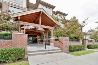 "Photo 2: 406 2175 FRASER Avenue in Port Coquitlam: Glenwood PQ Condo for sale in ""The Residences on Shaughnessy"" : MLS®# R2510567"