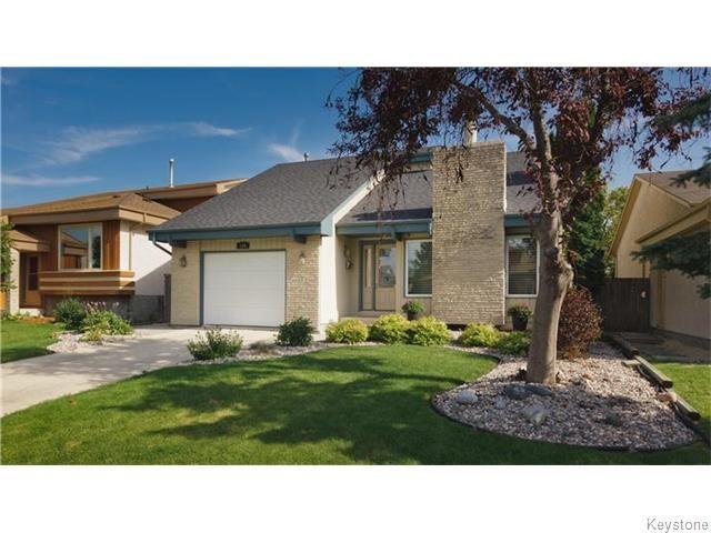 Main Photo: 124 Apple Hill Road in Winnipeg: Single Family Detached for sale (Whyte Ridge)  : MLS®# 1522151