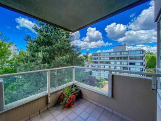 """Photo 18: 601 2108 W 38TH Avenue in Vancouver: Kerrisdale Condo for sale in """"THE WILSHIRE"""" (Vancouver West)  : MLS®# R2577338"""