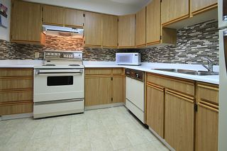 """Photo 8: 903 615 BELMONT Street in New Westminster: Uptown NW Condo for sale in """"BELMONT TOWERS"""" : MLS®# R2152611"""