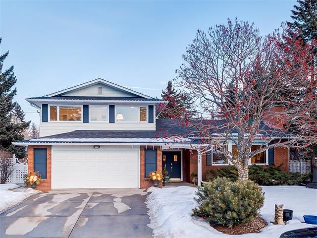Photo 2: Photos: 7016 KENOSEE Place SW in Calgary: Kelvin Grove House for sale : MLS®# C4055215