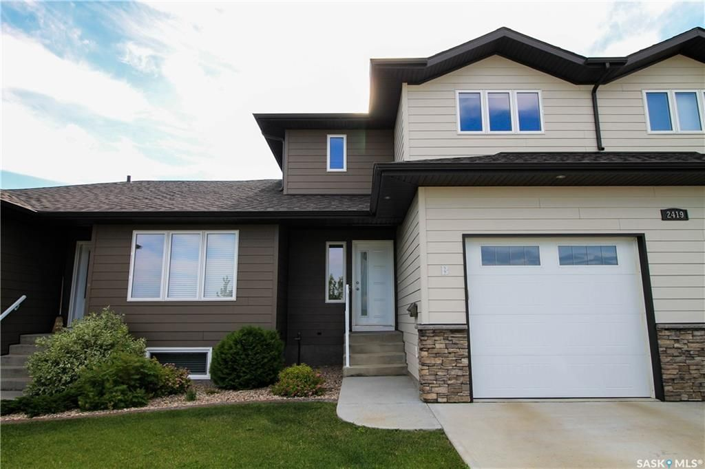 Main Photo: B 2419 Henderson Drive in North Battleford: Fairview Heights Residential for sale : MLS®# SK850531