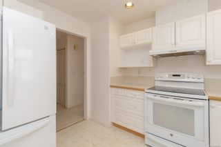 Photo 10: 401 288 Eltham Rd in View Royal: VR View Royal Row/Townhouse for sale : MLS®# 883864