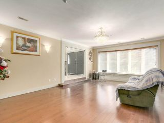 Photo 4: 5725 HOLLAND Street in Vancouver: Southlands House for sale (Vancouver West)  : MLS®# R2206914