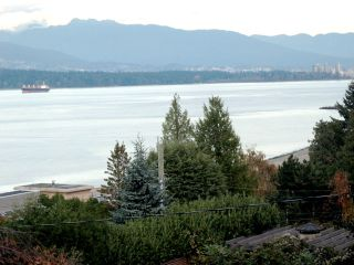Photo 3:  in Vancouver West: Point Grey Home for sale ()  : MLS®# H2801410