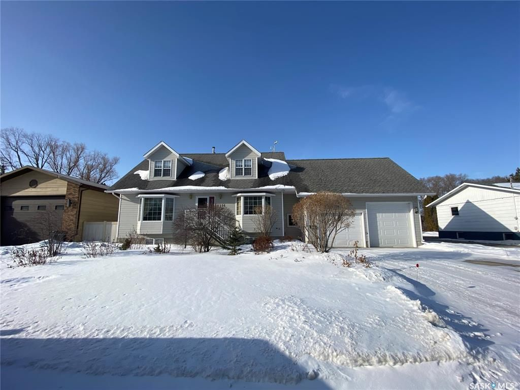 Main Photo: 1114 Bell Street in Indian Head: Residential for sale : MLS®# SK846900