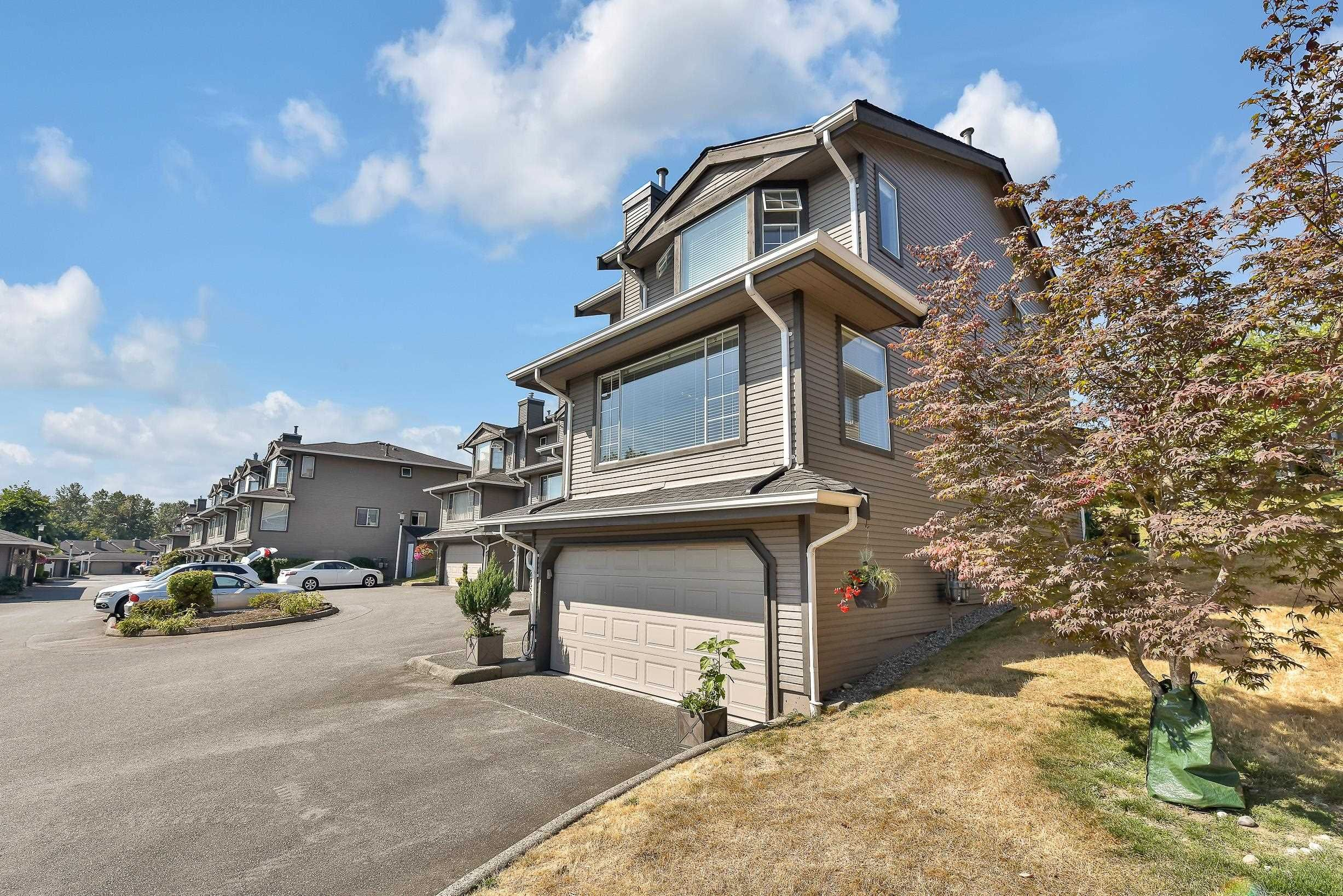 """Photo 3: Photos: 208 1140 CASTLE Crescent in Port Coquitlam: Citadel PQ Townhouse for sale in """"THE UPLANDS"""" : MLS®# R2609078"""