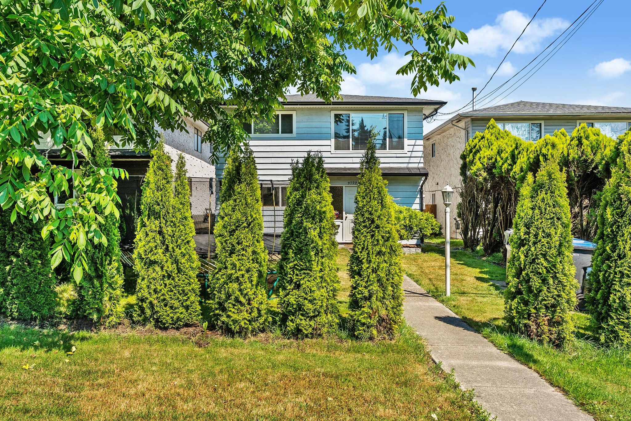 Main Photo: 3722 COAST MERIDIAN Road in Port Coquitlam: Oxford Heights House for sale : MLS®# R2597573