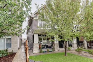 Photo 1: 2 528 34 Street NW in Calgary: Parkdale Row/Townhouse for sale : MLS®# C4267517