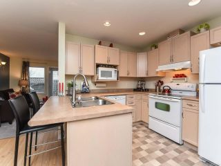 Photo 4: 52 717 Aspen Rd in COMOX: CV Comox (Town of) Row/Townhouse for sale (Comox Valley)  : MLS®# 803821