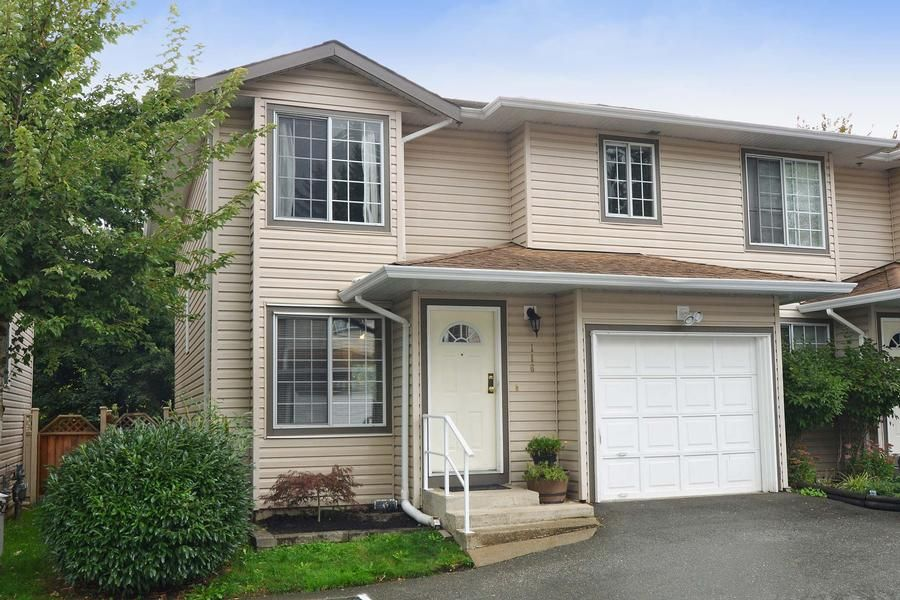 Main Photo: 116 9561 207th Street in Langley: Walnut Grove Townhouse for rent