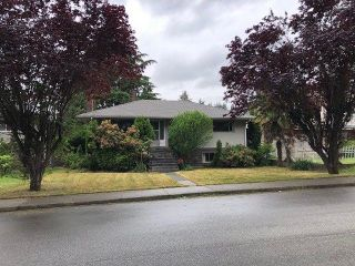 Photo 1: 4487 HUXLEY Avenue in Burnaby: Burnaby Hospital House for sale (Burnaby South)  : MLS®# R2277906