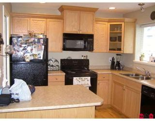 """Photo 2: 63 5965 JINKERSON Road in Sardis: Promontory Townhouse for sale in """"EAGLE VIEW RIDGE"""" : MLS®# H2805241"""