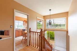 Photo 2: 808 E 4TH Street in North Vancouver: Queensbury House for sale : MLS®# R2589883