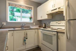 Photo 3: 6 555 Rockland Rd in : CR Campbell River South Row/Townhouse for sale (Campbell River)  : MLS®# 878113