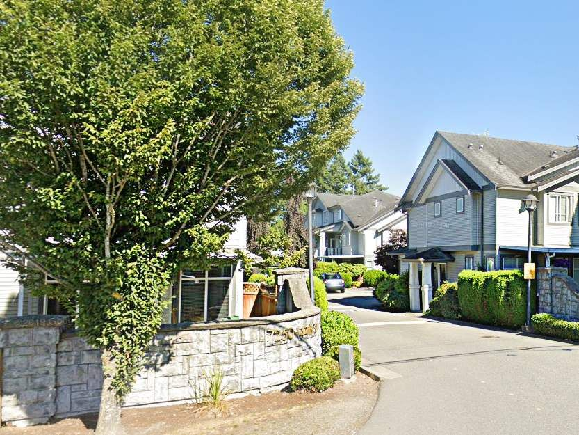 """Photo 2: Photos: 62 7250 144 Street in Surrey: East Newton Townhouse for sale in """"CHIMNEY RIDGE"""" : MLS®# R2527398"""