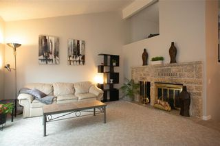 Photo 4: 150 Southwalk Bay in Winnipeg: River Park South Residential for sale (2F)  : MLS®# 202120702