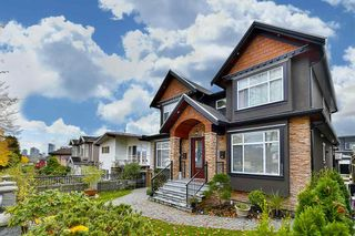 Photo 2: 3318 E 2ND AVENUE in Vancouver: Renfrew VE House for sale (Vancouver East)  : MLS®# R2119247