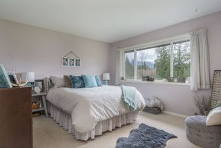 """Photo 11: 35444 HARTLEY Road in Mission: Durieu House for sale in """"McConnell Creek"""" : MLS®# R2464015"""
