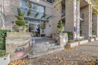 Photo 1: 210 1616 COLUMBIA STREET in : False Creek Condo for sale (Vancouver West)  : MLS®# R2324677