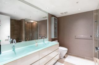 """Photo 18: 1802 8 SMITHE Mews in Vancouver: Yaletown Condo for sale in """"Flagship"""" (Vancouver West)  : MLS®# R2577399"""