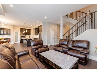 Photo 8: 2876 HELC Place in Surrey: Grandview Surrey House for sale (South Surrey White Rock)  : MLS®# R2431097