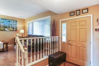 Photo 11: 143 Silver Brook Road NW in Calgary: Silver Springs Detached for sale : MLS®# A1141284