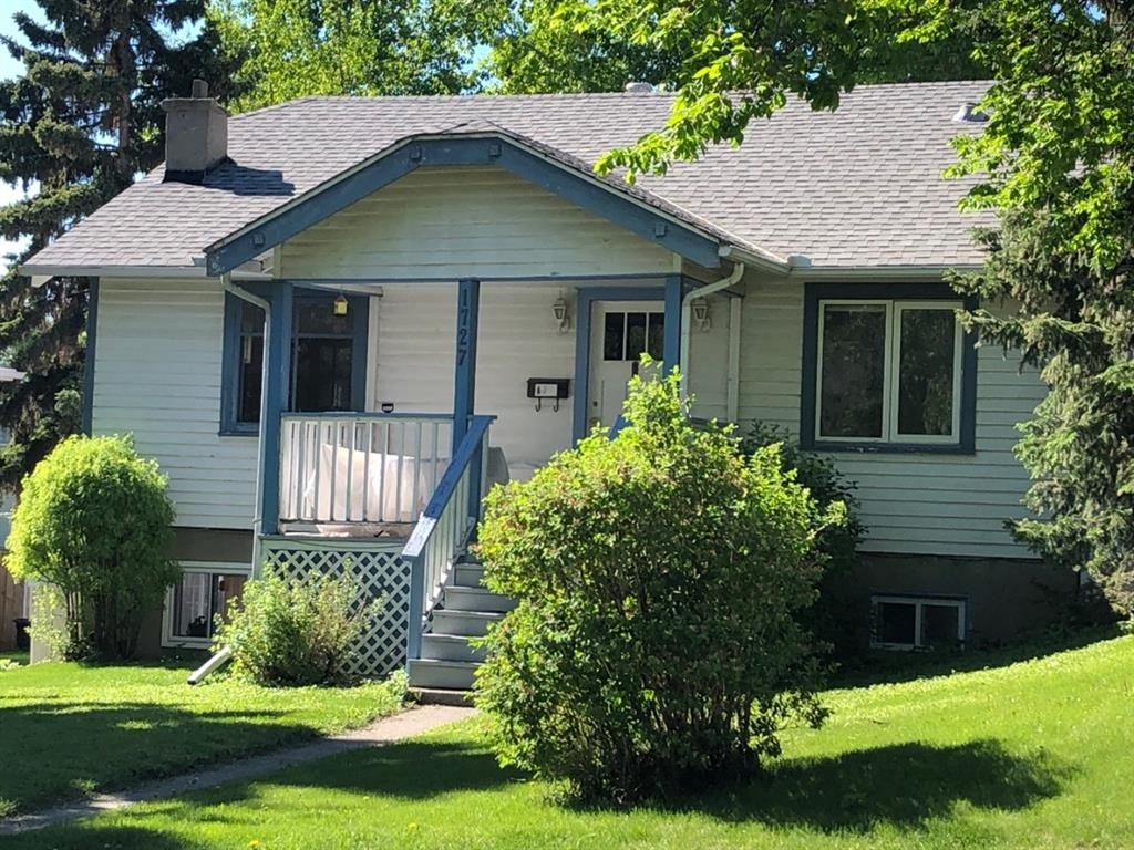 Main Photo: 1727 23 Avenue NW in Calgary: Capitol Hill Detached for sale : MLS®# A1098336