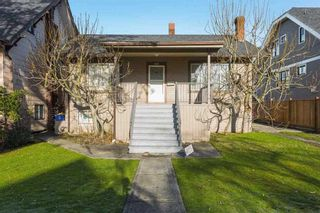 Photo 1: 2525 W 8TH AVENUE in Vancouver: Kitsilano House for sale (Vancouver West)  : MLS®# R2440103