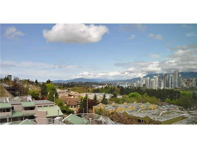 "Main Photo: 802 728 W 8TH Avenue in Vancouver: Fairview VW Condo for sale in ""700 West 8th"" (Vancouver West)  : MLS®# V1082906"