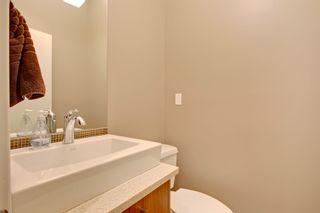 Photo 17: 2 36 Street SW in Calgary: Duplex for sale : MLS®# C3641142