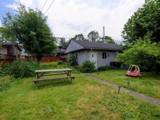 Photo 4: 4060 ETON Street in Burnaby: Vancouver Heights House for sale (Burnaby North)  : MLS®# R2171929