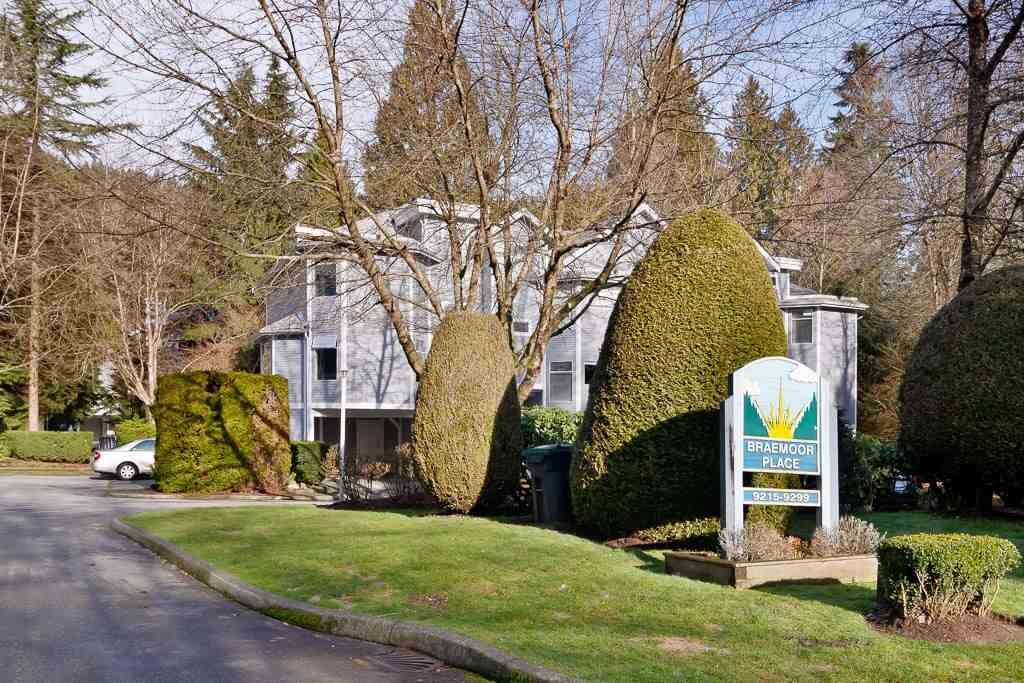 """Main Photo: 9265 BRAEMOOR Place in Burnaby: Forest Hills BN Townhouse for sale in """"MOUNTAIN GATE"""" (Burnaby North)  : MLS®# R2435025"""