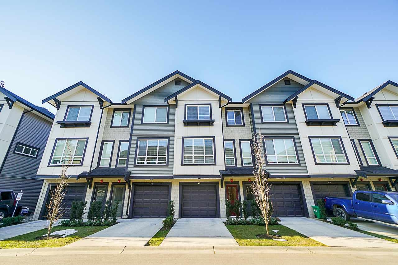 """Main Photo: 42 8570 204 Street in Langley: Willoughby Heights Townhouse for sale in """"Woodland Park"""" : MLS®# R2349258"""