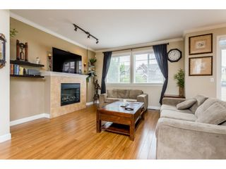 "Photo 2: 37 7168 179 Street in Surrey: Cloverdale BC Townhouse for sale in ""OVATION"" (Cloverdale)  : MLS®# R2081705"