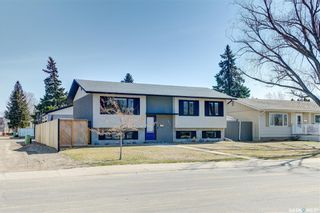 Photo 3: 842 MATHESON Drive in Saskatoon: Massey Place Residential for sale : MLS®# SK850944