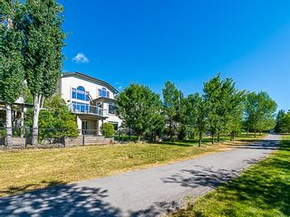 Photo 3: 33 Tuscany Meadows Common NW in Calgary: Tuscany Detached for sale : MLS®# A1083120