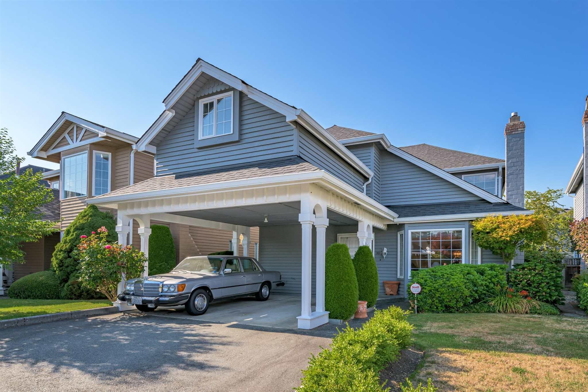 "Main Photo: 33 9651 DAYTON Avenue in Richmond: Garden City Townhouse for sale in ""THE ESTATE"" : MLS®# R2602090"
