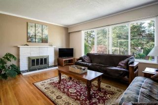 "Photo 3: 2154 AUDREY Drive in Port Coquitlam: Mary Hill House for sale in ""Mary Hill"" : MLS®# R2533173"