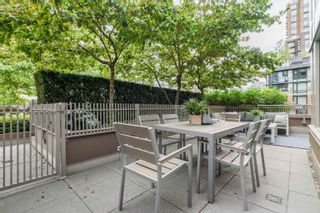 """Photo 3: 606 1055 RICHARDS Street in Vancouver: Downtown VW Condo for sale in """"The Donovan"""" (Vancouver West)  : MLS®# R2617881"""