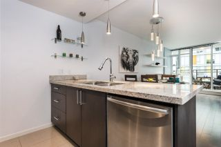 """Photo 12: 1104 89 W 2ND Avenue in Vancouver: False Creek Condo for sale in """"PINNACLE LIVING FALSE CREEK"""" (Vancouver West)  : MLS®# R2250974"""